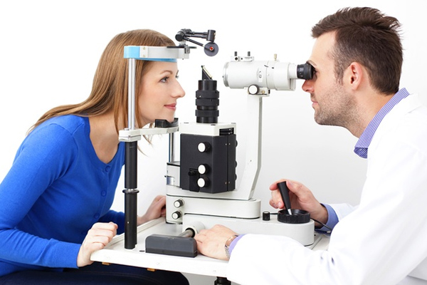 What Is Low Vision and How It Can Be Managed! - Health Tips in Hindi