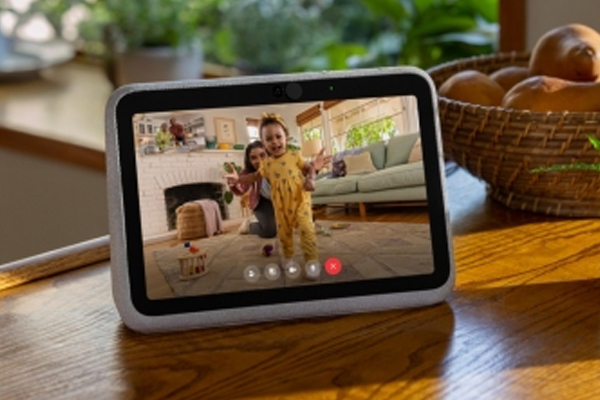 Facebook launches two new Portal video calling devices - Gadgets News in Hindi