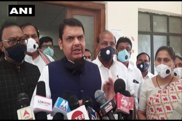 Former CM Devendra Fadnavis attacked Maharashtra government, said- SC decision will increase public confidence in judicial system - Mumbai News in Hindi