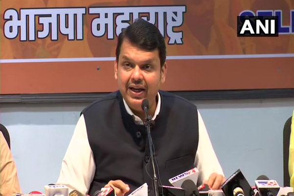 In Maharashtra, Fadnavis demanded transfer from CBI for investigation at high level racket - Mumbai News in Hindi