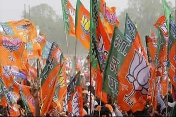 BJP trying to woo Muslim votes at every booth in UP - Lucknow News in Hindi