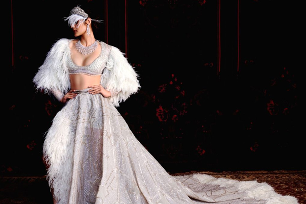 Falguni Shane Peacock collection focuses on the new age bride - Lifestyle News in Hindi