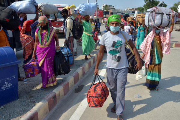 Delhi Family returned in search of work - Delhi News in Hindi