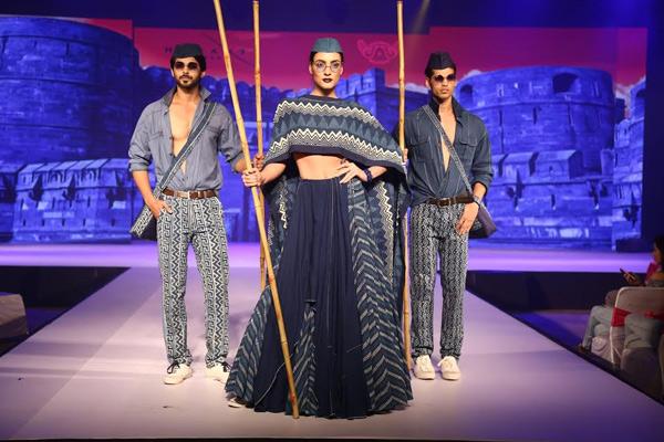 Models show up at Fashion Show - Jaipur News in Hindi