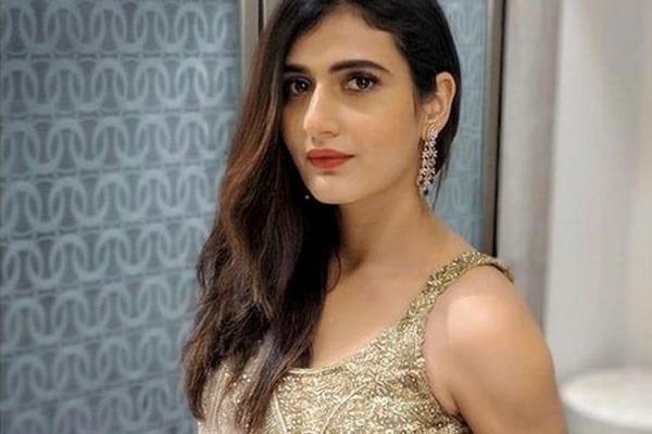 Fatima Sana Shaikh observed Manoj Bajpayee work to learn more - Bollywood News in Hindi