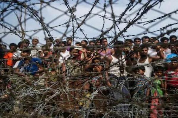 Bangladesh started fencing Rohingya camps - World News in Hindi