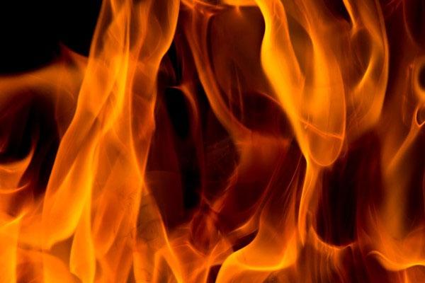 3 killed as truck catches fire in Karnataka - Bengaluru News in Hindi