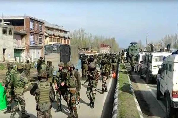 Terrorist attack in Srinagar, 2 CRPF jawans martyred, 2 injured - Srinagar News in Hindi