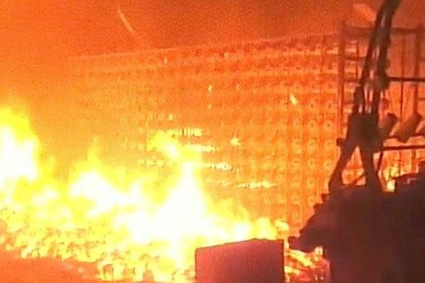 गंगापुर में कपास की फैक्ट्री में भीषण आग, करोडों का नुकसान