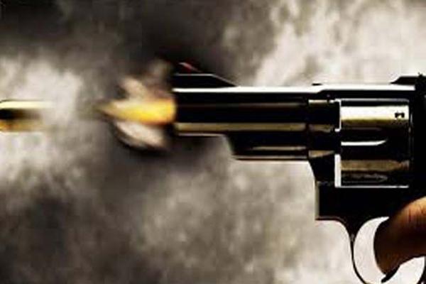 Policemen injured in firing in celebration in UP - Bareilly News in Hindi