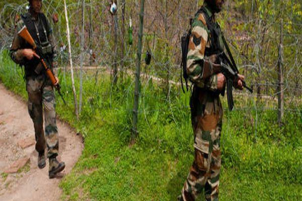terrorist attack on GREF Camp in jammu and Kashmir, 3 dead - Srinagar News in Hindi
