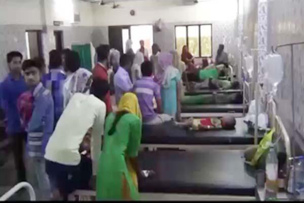 Fifty children sick by food poisoning in sambhal - Sambhal News in Hindi
