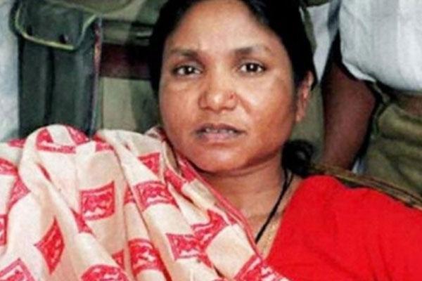 सभी पार्टियां फूलन देवी को आगे कर लड़ना चाहते हैं चुनाव