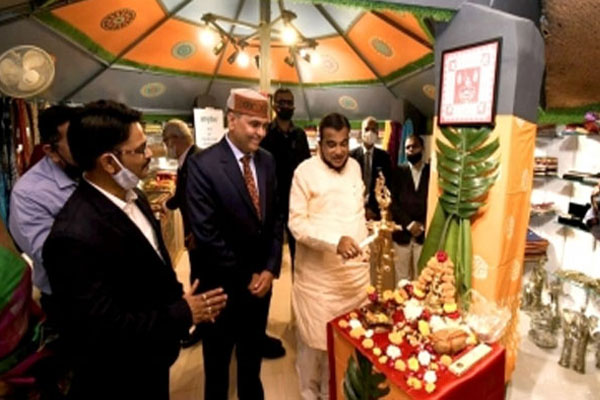 Gadkari praised MP handicrafts and handloom sector works - Bhopal News in Hindi