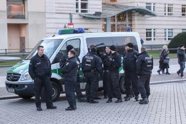 Germany: Shooting in Berlin, 4 injured - World News in Hindi