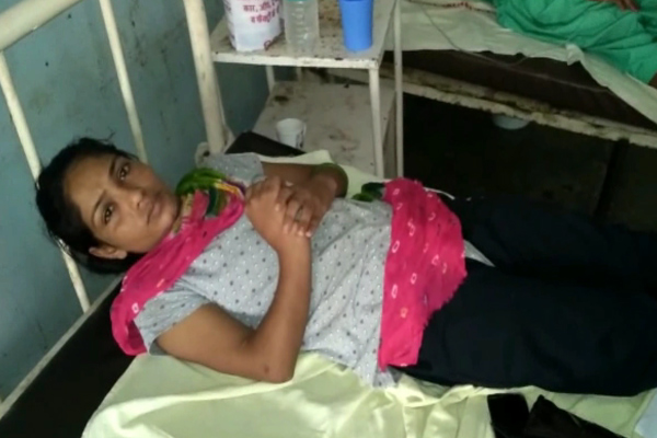 Youth Avenged fights by women - Fatehabad News in Hindi