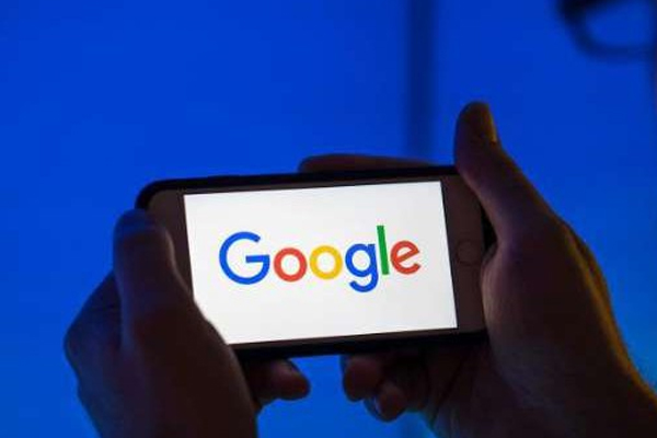 Google introduces online coding course to train workers - Career News in Hindi