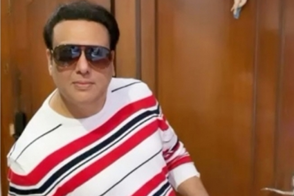 Govinda tests Covid negative, says Apun aa gayela hain - Bollywood News in Hindi
