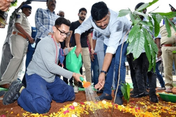 Amir Khan participates in Green India Challenge - Hyderabad News in Hindi
