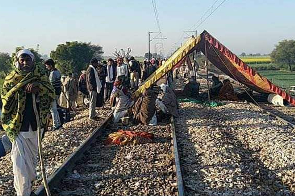 Gujjar stir in Rajasthan enters 5th day, News Update in Rajasthan - Karauli News in Hindi