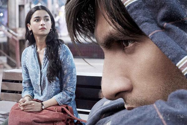 Gully Boy sweeps Critics Choice Film Awards - Bollywood News in Hindi