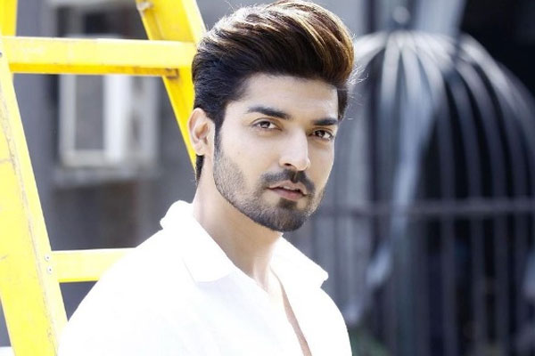 Gurmeet Choudhary: High time we use power of celebrity to help fight pandemic - Television News in Hindi