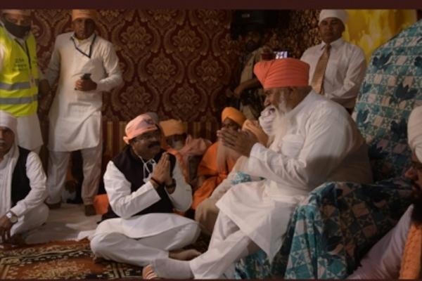 Petroleum minister reaches Benaras on Ravidas Jayanti, took Guru blessings - Varanasi News in Hindi
