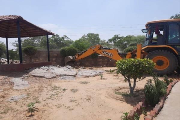 Nine illegal farmhouses demolished in Gurugram Aravali Hills - Gurugram News in Hindi