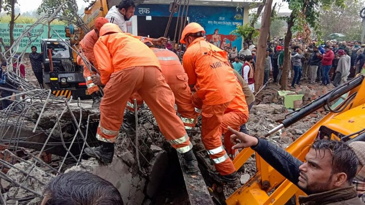 Ghaziabad: 23 deaths due to collapse of cremation ground, CM Yogi sought report - Ghaziabad News in Hindi