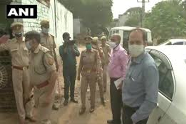 Now an accused in the Hathras gang rape case was found to be a minor - Hathras News in Hindi