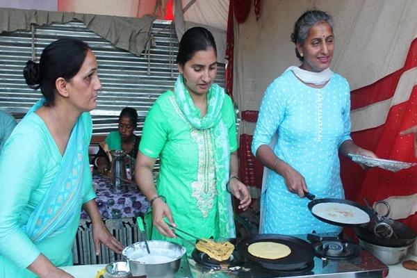 Chhoti dumplings look great in Chhoti Kashi festival - Mandi News in Hindi
