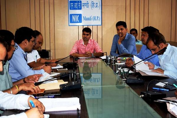 कीरतपुर-नेरचौक-मनाली फोरलेन परियोजना के काम को दें गति : ऋग्वेद ठाकुर