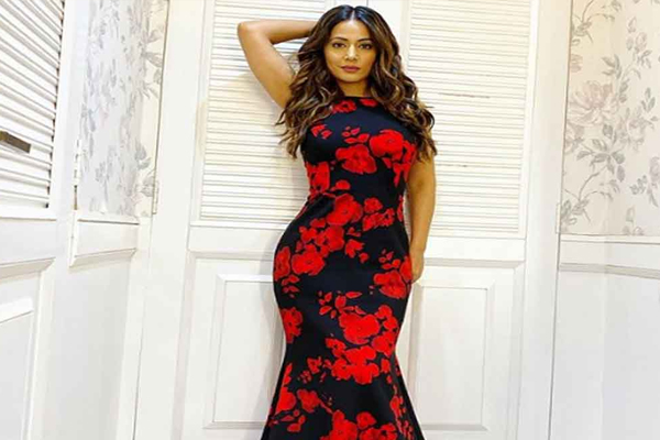 Hina Khan has an hourglass figure with a few extra minutes - Masala Gossips in Hindi