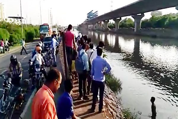 Two children drown while bathing in ghaziabad - Ghaziabad News in Hindi