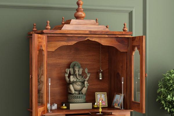 ईशान कोण में पूजा का स्थान होने से परिवार के सदस्यों का स्वास्थ्य अच्छा रहता है और...
