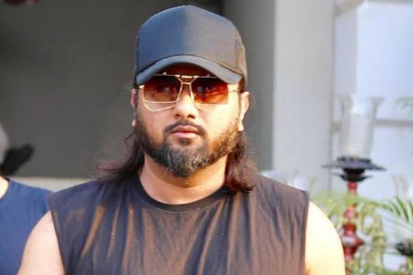 Honey Singh opens up on fake social media followers scam - Bollywood News in Hindi