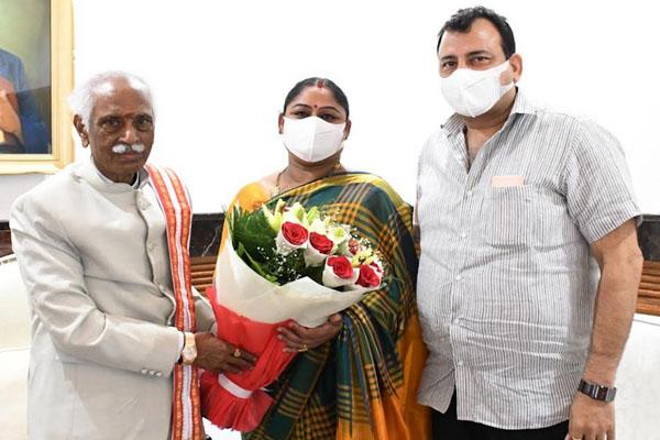 Delhi Sports University Vice Chancellor Karnam Malleswari meets Governor - Chandigarh News in Hindi