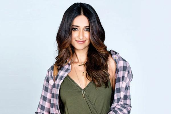 Ileana D Cruz is a beach bum for life - Bollywood News in Hindi