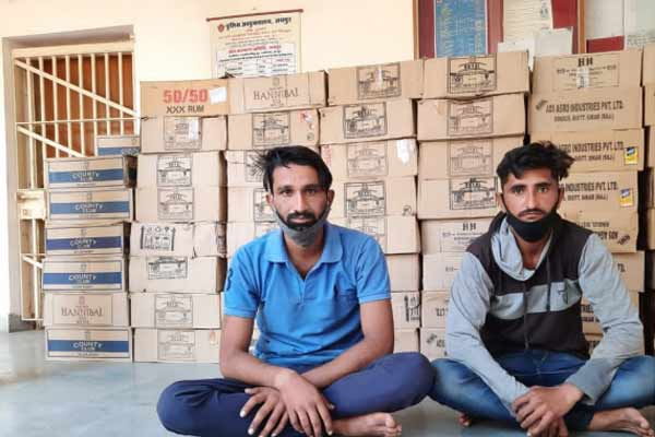 Illegal liquor smuggling was being done under the guise of vegetable in Jaipur, two arrested - Jaipur News in Hindi