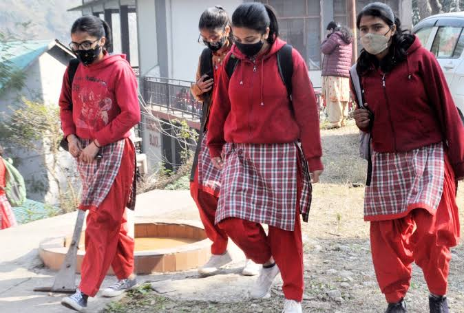 49 Corona positive including student in Himachal Boarding School - Shimla News in Hindi