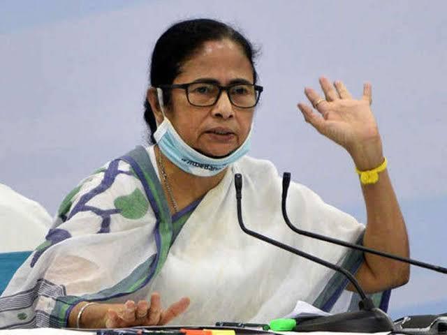 CM Mamta demands PM, provide vaccine, medicine and oxygen - Delhi News in Hindi