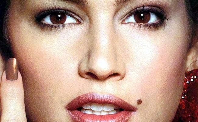 Vastu Shastra: People who have a mole mark on their right cheek, know how their behavior - Jyotish Nidan in Hindi