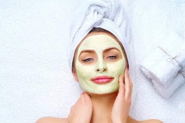 Beauty Tips : फेसपैक लगाते वक्त कुछ बातों का रखें खास ध्यान, न करें ये गलतियां