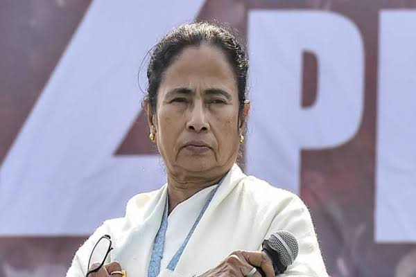 Mamata angry on Netaji birth anniversary with Jai Shri Ram slogans - Kolkata News in Hindi