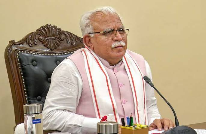 CM Khattar dispatches 2 oxygen tankers, will bring oxygen for Haryana - Chandigarh News in Hindi