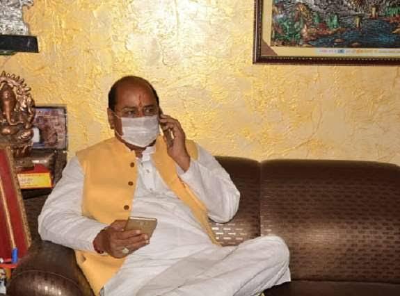 कानपुर में बीजेपी विधायक के घर पर बम फेंका, सुरक्षाकर्मियों ने आरोपीयों का पीछा कर किया गिरफ्तार