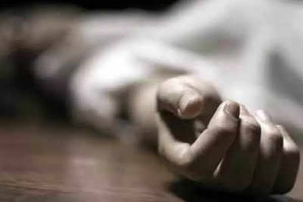 A minor girl died after posting pictures online - Agra News in Hindi