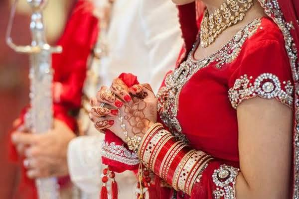 7 साल की दोस्ती के बाद गुरुग्राम में दो लड़कियों ने एक-दूसरे से की शादी