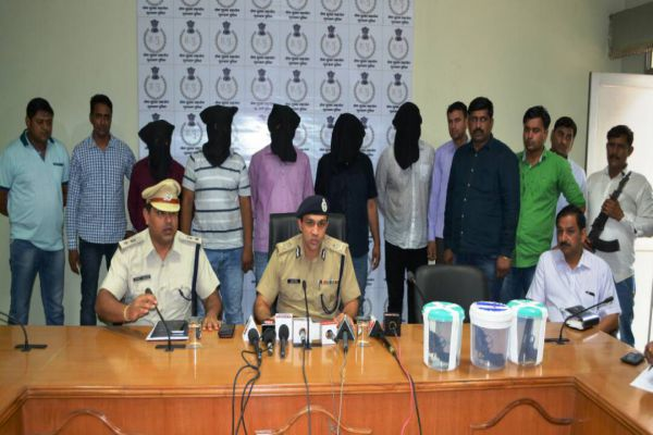 75 thousand prize gambling police arrested including infamous miscreants - Gurugram News in Hindi