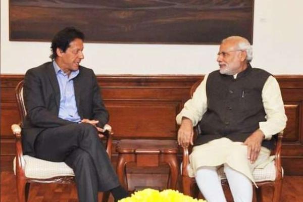 Imran Khan dials Modi, pushes for better ties between India and Pakistan - India News in Hindi